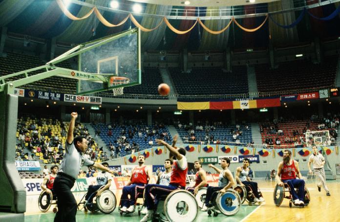 Αγώνας καλαθοσφαίρισης με αναπηρικό καροτσάκι, Σεούλ 1988
