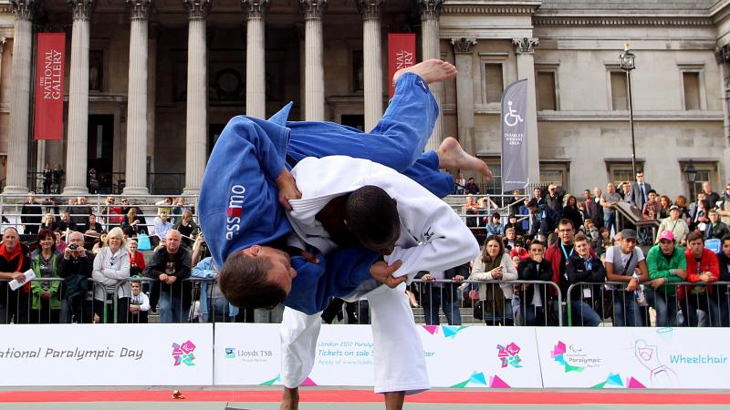 A pictures of 2 mens in action during a Judo demonsrtation