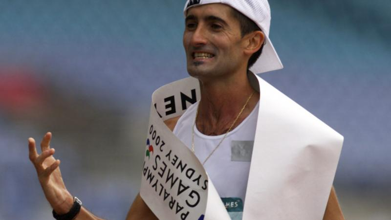 Javier Conde celebrating his Marathon at the Sydney 2000 Paralympic Games.