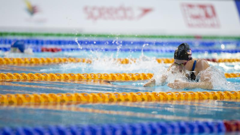 Jessica Long competes at the 2015 IPC Swimming World Championships in Glasgow, Great Britain