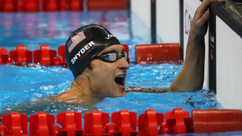 The USA's Bradley Snyder celebrates winning the men's 400m freestyle S11 at the Rio 2016 Paralympic Games.