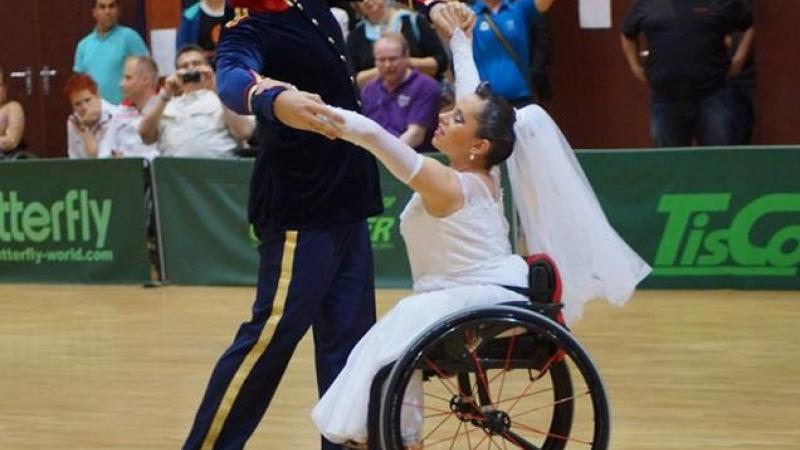 Kasicka and Vidasic - wheelchair dance sport
