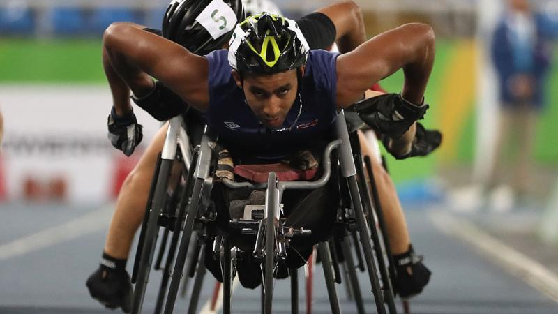 Walid Ktila of Tunisia leads the pack in the Men's 800m - T34 Final on day 7 of the Rio 2016 Paralympic Games at the Olympic Stadium on September 14, 2016 in Rio de Janeiro, Brazil.