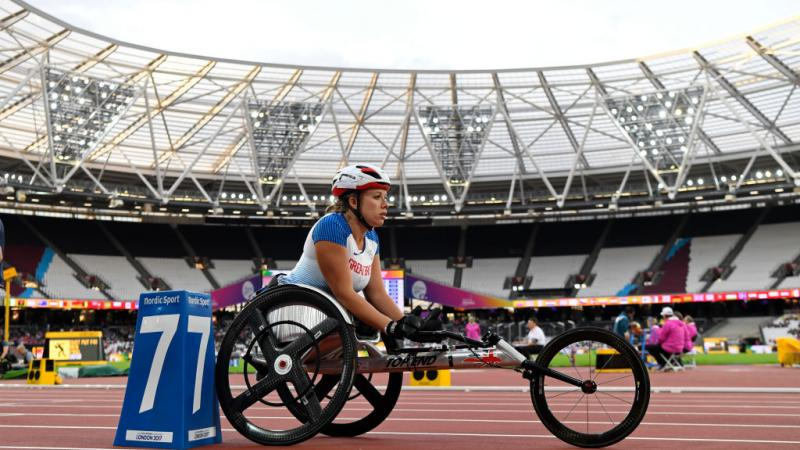 Hannah Cockroft of Great Britain prepares to compete in the Women's 400m T34 at the London 2017 World Para Athletics Championships.