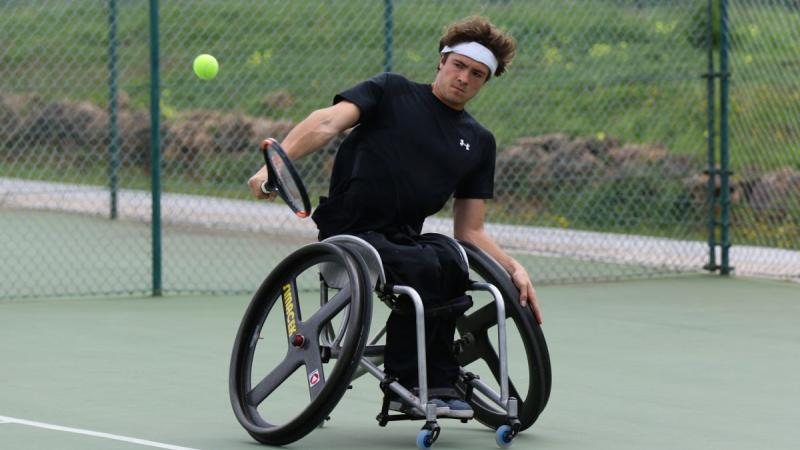 male wheelchair tennsi player Nico Langmann