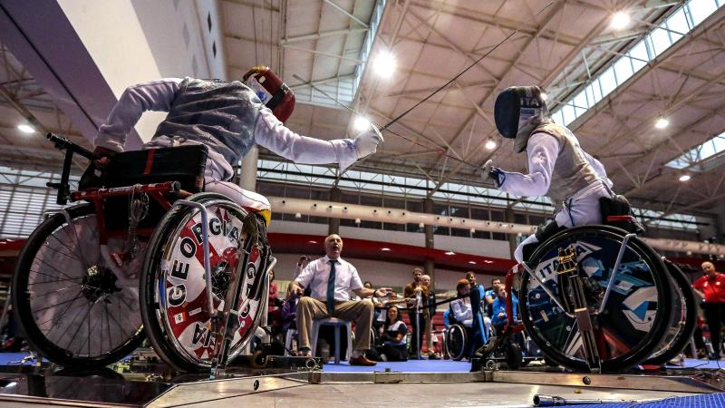 Georgian wheelchair fencer battles Beatrice Vio
